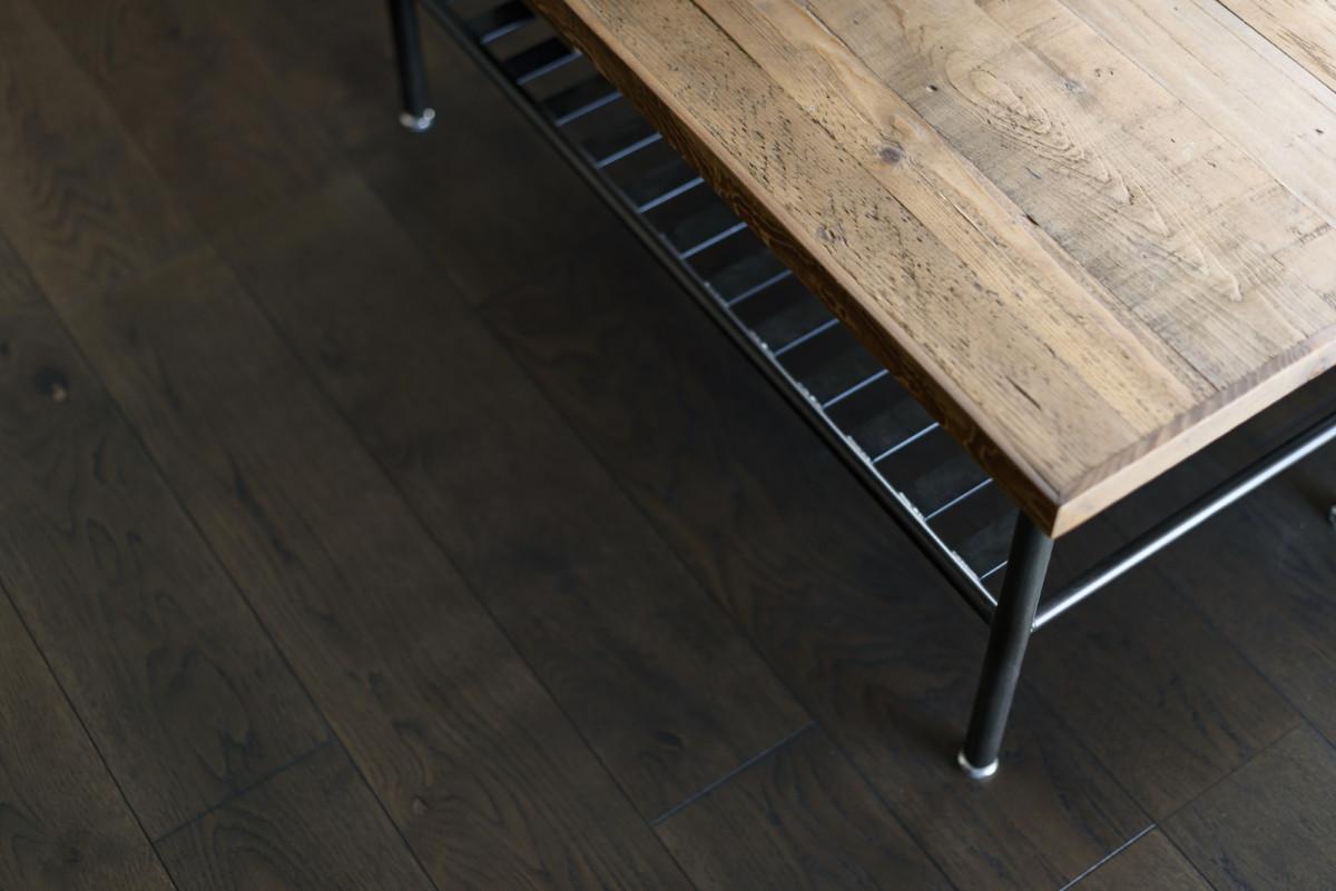 【施工例追加】オトコゴコロと床の色